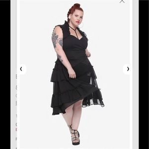 HOT TOPIC Black Ruffled Vest PLUS SIZE